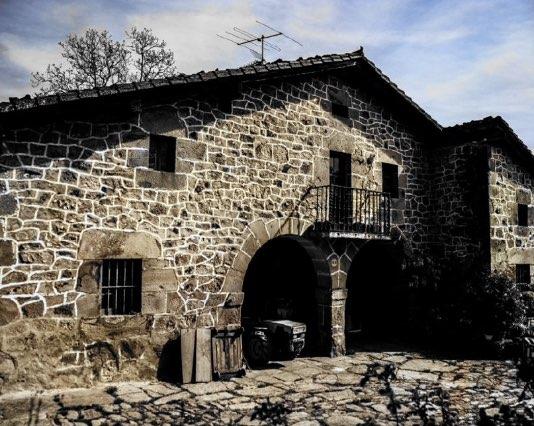 Reconstrucción caserío Loitzate